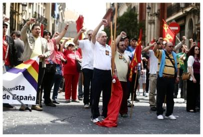 Sozialisten am 1. Mai, Tag der Arbeiterbewegung. (Socialists on May 1, labour movement day.)