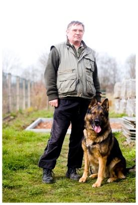 Mitglied eines Hundesportvereins. (Member of a dog sports club.)